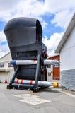 被保存的水下弓:鱼雷和声纳罩 库存照片