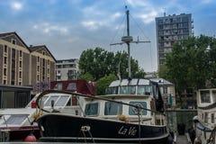 被停泊的小船, Seinne河 库存图片