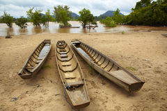 被停泊的小船 免版税库存图片
