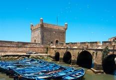 被停泊的渔船, essaouira口岸,摩洛哥 免版税图库摄影