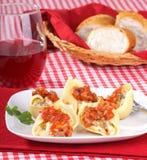 被充塞的意大利面食壳 图库摄影