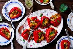 被充塞的Pepperoncini用无盐干酪、pancetta和面包 意大利开胃菜 库存图片