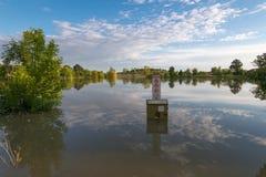 被充斥的湖 免版税库存图片