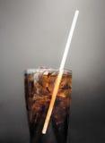 被冰的可乐饮料 免版税库存照片