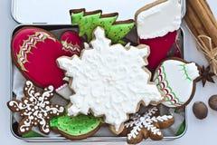 被冰的圣诞节曲奇饼 免版税库存图片