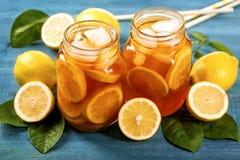 被冰的柠檬茶 库存图片