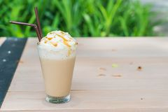 被冰的热奶咖啡咖啡 免版税库存图片