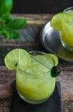 被冰的绿茶鸡尾酒 免版税图库摄影