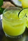 被冰的绿茶鸡尾酒 免版税库存照片