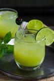 被冰的绿茶鸡尾酒 免版税库存图片