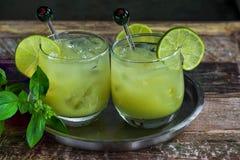 被冰的绿茶鸡尾酒 库存图片