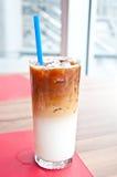 被冰的latte咖啡 免版税图库摄影