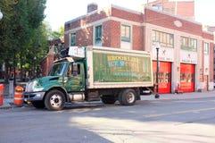 被冷藏的送货车卡车 库存图片