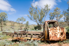 被击毁的澳洲老澳洲内地卡车 免版税库存图片