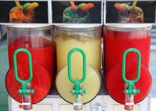 被击碎的分配器饮料冰 免版税图库摄影