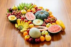 被分类的和被混合的果子 免版税图库摄影
