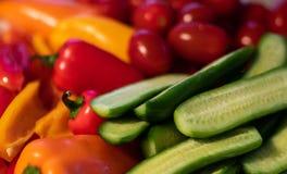 被分类的堆新鲜蔬菜 免版税库存图片