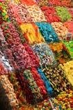 被分类的糖果在市场上,巴塞罗那,西班牙 库存照片