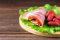 被分类的肉制品包括火腿和香肠 库存照片