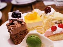 被分类的蛋糕 免版税库存照片