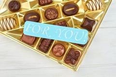 被分类的配件箱糖果巧克力 免版税图库摄影