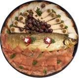 被分类的鱼盛肉盘抽烟了 免版税库存图片
