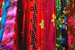 被分类的五颜六色的织品 库存图片