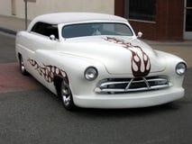 被刮的切好的旧车改装的高速马力汽&# 免版税库存图片