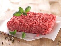 被剁碎的接近的肉准备准备好对 免版税库存图片