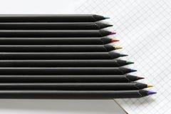 被削尖的色的铅笔 库存图片