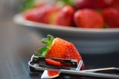被剥皮的草莓 免版税库存照片
