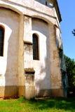 被加强的中世纪撒克逊人的教会在村庄Cincu, Grossschenk,特兰西瓦尼亚,罗马尼亚 免版税库存图片