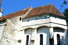 被加强的中世纪撒克逊人的教会在村庄Cincu, Grossschenk,特兰西瓦尼亚,罗马尼亚 库存照片