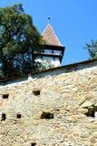 被加强的中世纪撒克逊人的教会在Cinsor-Kleinschenk,锡比乌县 免版税库存图片