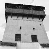 被加强的中世纪撒克逊人的教会在Ungra,公社在BraÅŸov县,罗马尼亚 库存照片
