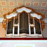 被加强的中世纪撒克逊人的教会的器官在Cinsor-Kleinschenk,锡比乌县 免版税库存图片