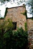 被加强的中世纪撒克逊人的教会的塔在Cristian 免版税库存照片