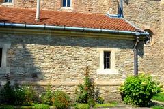 被加强的中世纪教会在Malancrav,特兰西瓦尼亚 免版税库存图片