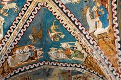 被加强的中世纪教会的天花板在Malancrav,特兰西瓦尼亚 免版税库存照片