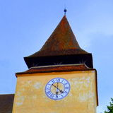 被加强的中世纪教会金巴夫,特兰西瓦尼亚的塔 库存照片