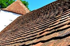 被加强的撒克逊人的中世纪教会在村庄Crit -克洛伊茨,特兰西瓦尼亚 免版税图库摄影