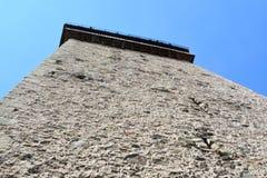 被加强的撒克逊人的中世纪教会Homorod,特兰西瓦尼亚的塔 库存照片