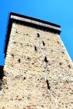 被加强的撒克逊人的中世纪教会Homorod,特兰西瓦尼亚的塔 免版税库存照片