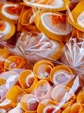 被包装的亚洲甜点绉纱薄煎饼街道货摊 免版税图库摄影