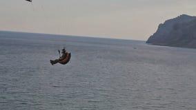 被发动的滑翔伞 影视素材