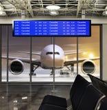 被取消的飞行在机场 库存图片