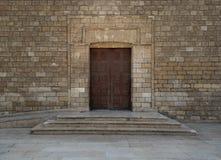 被启迪的清真寺的门,开罗,埃及 库存图片