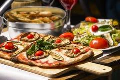 被品尝的和著名意大利食物 免版税库存照片