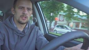 被喝的驱动器 在路的危险 股票视频