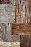 被回收的老棕色方形的木纹理 库存照片